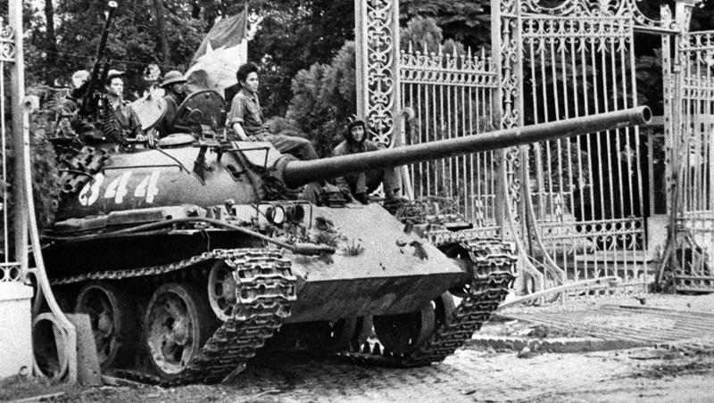 636398077867586614-AP-Vietnam-War-Fall-Of-Saigon-Photo-Gallery